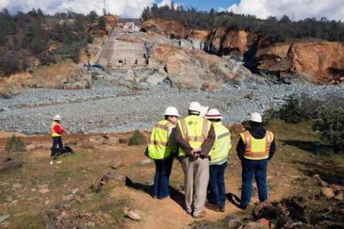 Jerry Brown's Administration Blocks Public Review of Oroville Dam Records