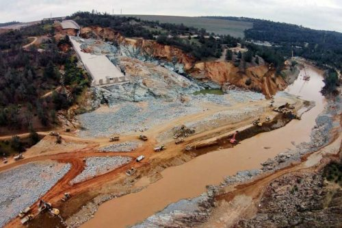 Riverbanks Collapse after Oroville Dam Spillway Shut Off